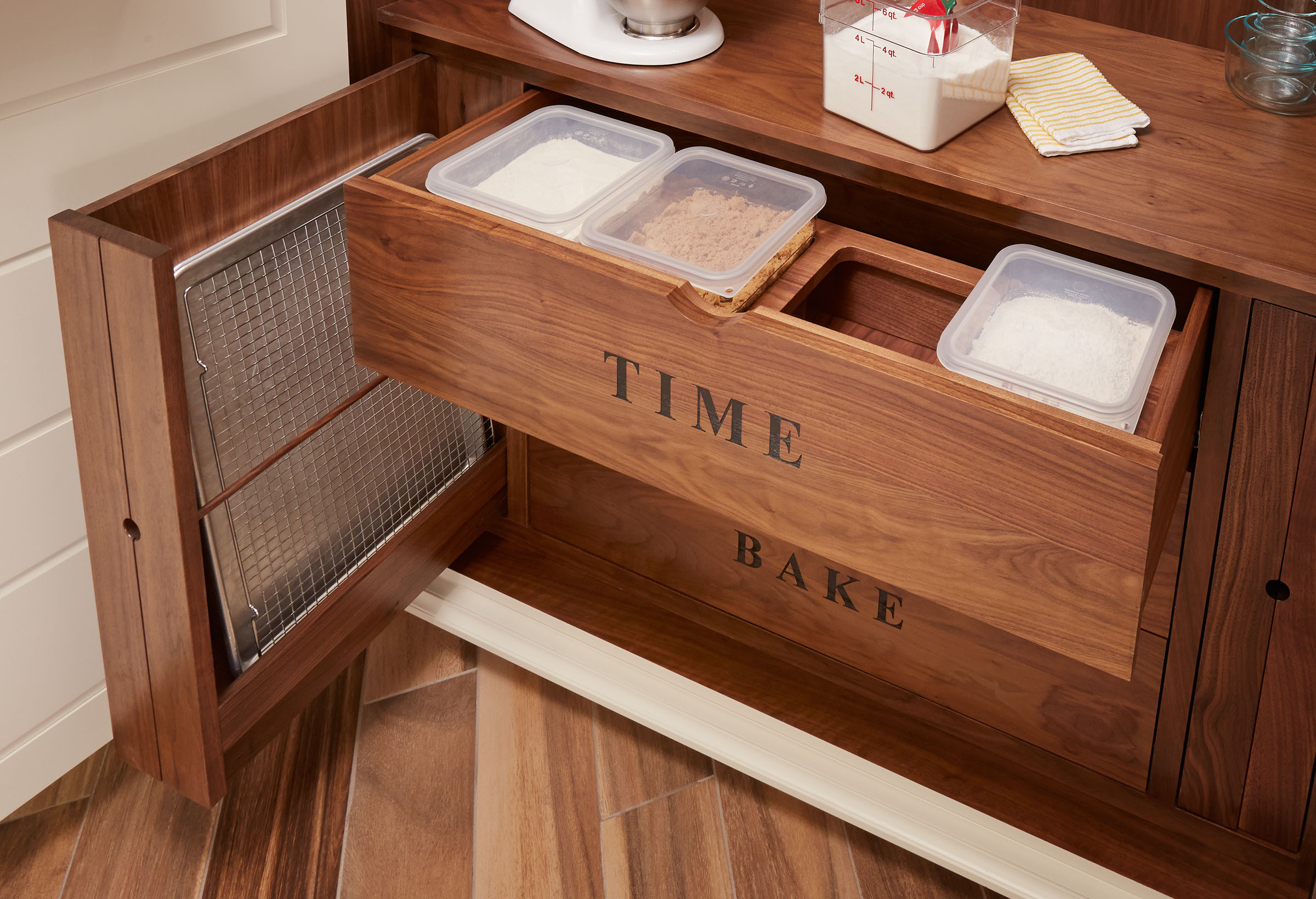 Incroyable Custom Canister Drawer, Custom Baking Pan Storage