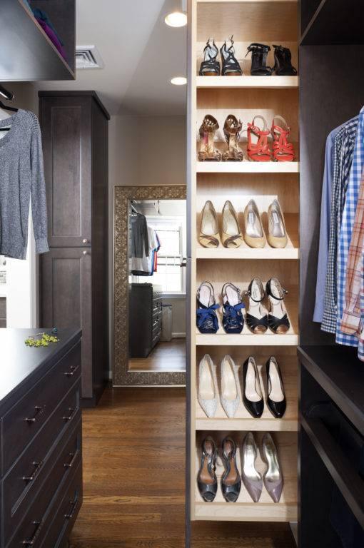 Custom Shoe Pullout