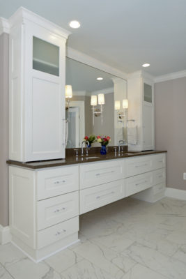 Bathroom Cabinets in Matte Frosty White