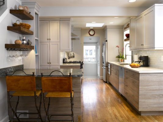 Canella Rustik and Simpy White Kitchen Cabinets
