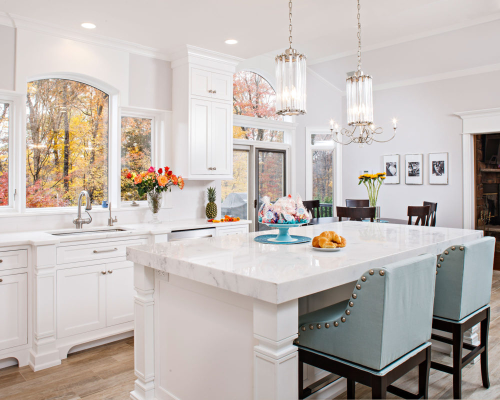 Small Painted White Traditional Kitchen