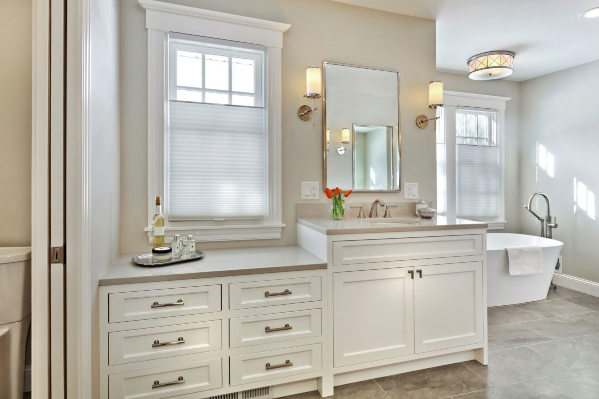 CrystalCabinets_Bathroom_Custom_DesignerWhite_1