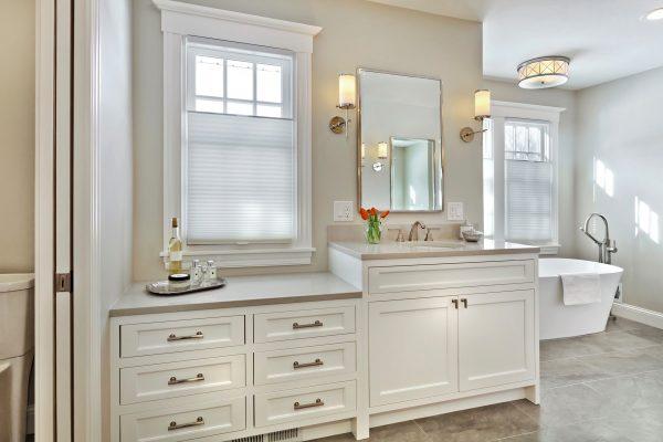 CrystalCabinets_Bathroom_Custom_DesignerWhite_1
