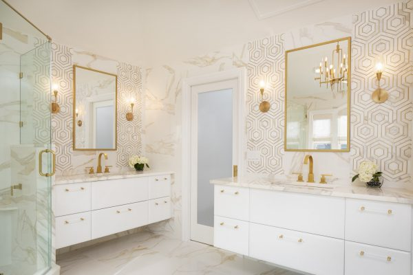 CrystalCabinets_Bathroom_Focus_White_Gloss_1