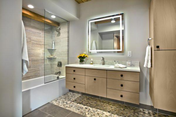 CrystalCabinets_Bathroom_MesaVerde_Riverwood_1